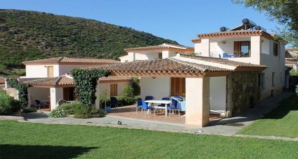 Budoni ot residence bouganvillage travel events for Residence con piscina budoni